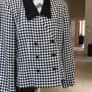 Beautiful Kasper suit. NWOT . Classic style